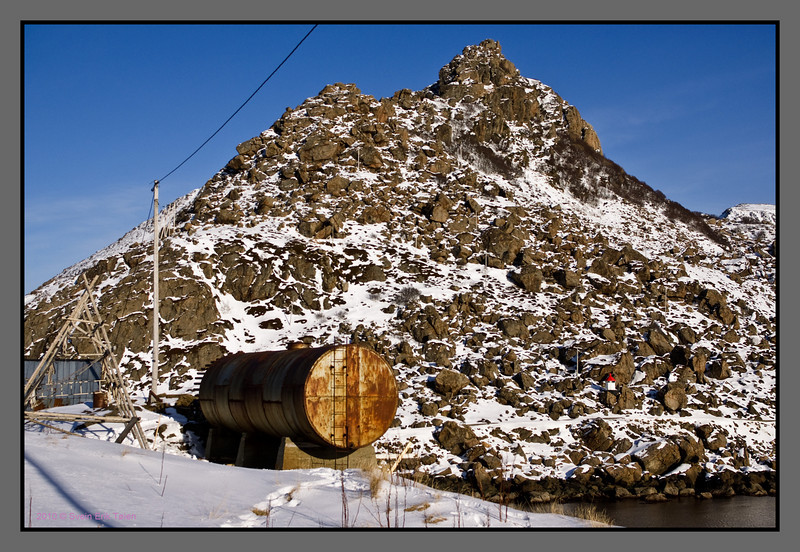 The Tank and the mountain II<br /> Nyksund