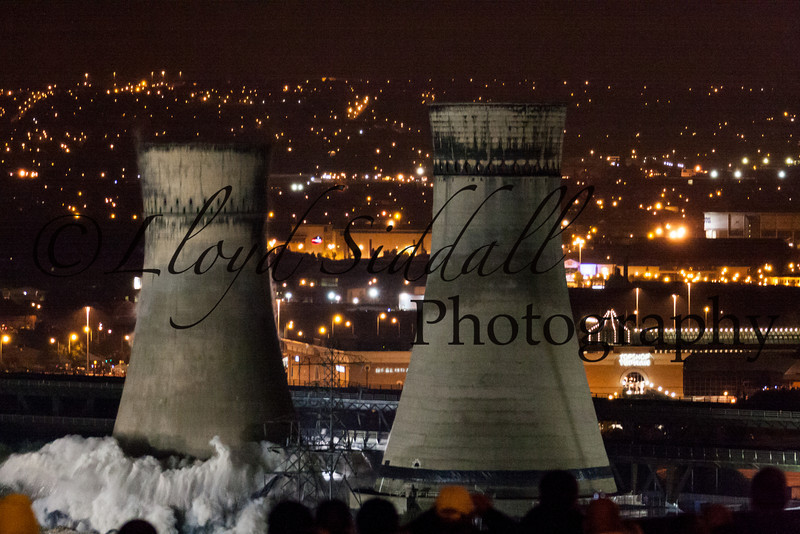 Sheffield Cooling Towers Demolition (2 of 11)