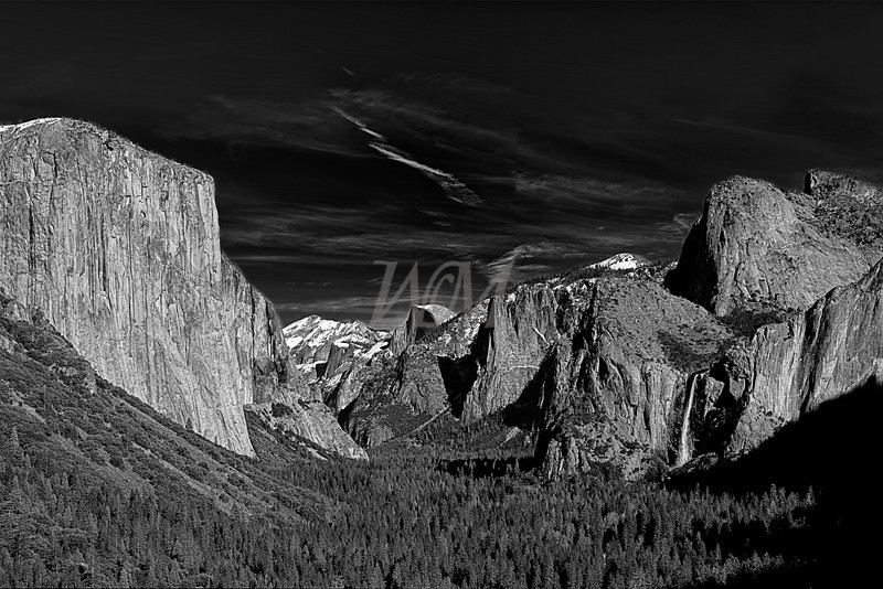 Yosemite Valley Black and White: Yosemite National Park, California