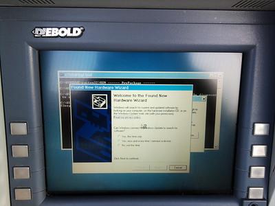 """sérka """"Za vším hledej Windows"""" (zélandský bankomat)"""