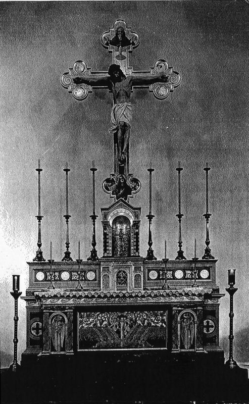 Crucifix above altar at SS Sagradischimo Crucifisci in 1907 (from a postcard in the archives of the Diocese of San Jose.)