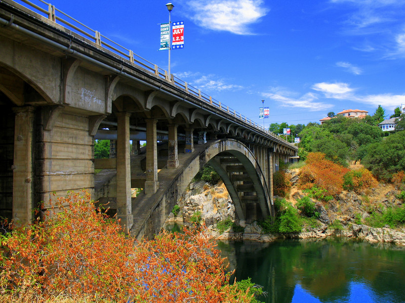 Rainbow Bridge, Folsom, CA.  July 4, 2006. Image Copyright 2006 by DJB.  All Rights Reserved.