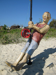 """Strewth!"" by Allen Horstmanshof - SWELL Sculpture Festival, Currumbin, http://www.swellsculpture.com.au/  12 September, 2008"