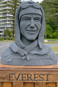 Grinners are Winners, by Ivan Lovatt - SWELL Sculpture Festival,   http://www.swellsculpture.com.au/  Currumbin, 17 September, 2008