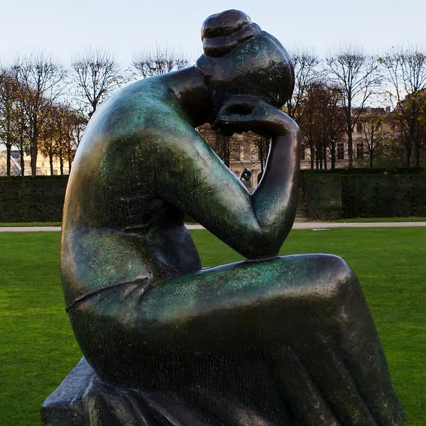 """e"" near the Louvre"