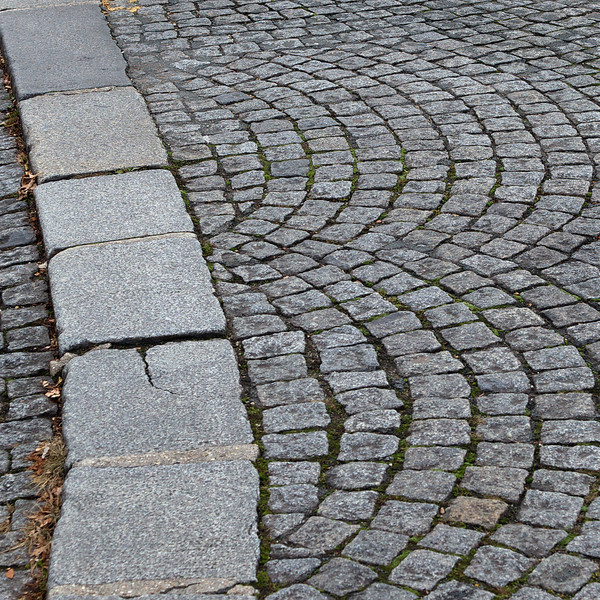 """""""B"""" cobblestone"""