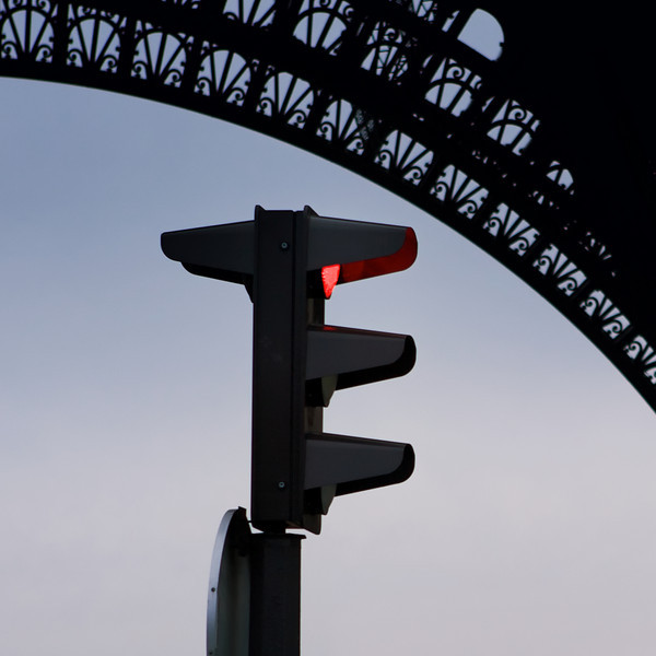 """E"""" stoplight by the Eiffel Tower"""