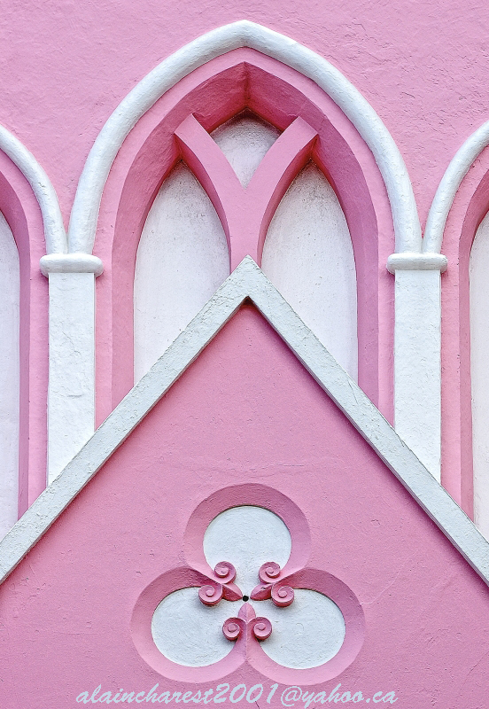 Pink wall deco