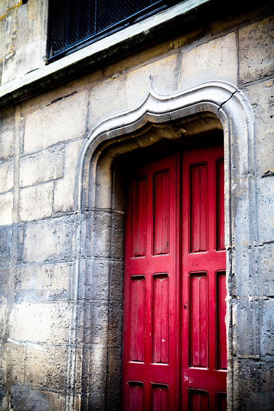 Red Door Paris France<br /> March 2012<br /> Canon 5D MkII 24-70F2.8L