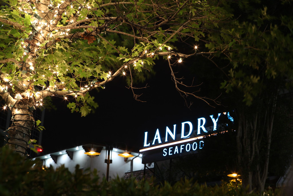 Landry's Seafood<br /> The Woodlands TX<br /> Canon 5D MkII + 24-70F2.8L, tripod and remote
