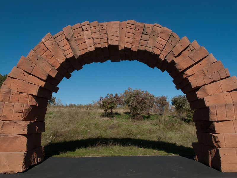 Grand Rapids Arch, sandstone,<br /> <br /> Andy Goldsworthy, 2005.