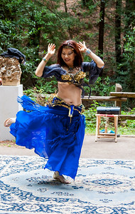 Middle Eastern belly dance. #artinnature