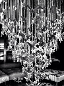 Niagara Chandelier by Lladró at the Gallery of Amazing Things