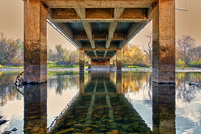 The underside of the bridge over the King's River at Piedra Ca.