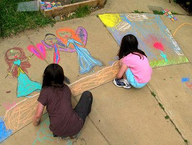 """Fairy Tale Pricesses"" Chalk Painting Workshop,  Ashlawn Elementary School, Arlington, VA 6/06 Preparation for CHALK4PEACE"
