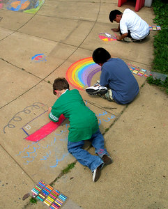 Chalk Painting Workshop,  Ashlawn Elementray School, Arlington, VA 6/06 Preparation for CHALK4PEACE