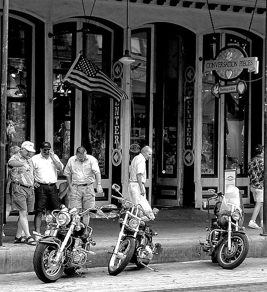 Harley Admirers