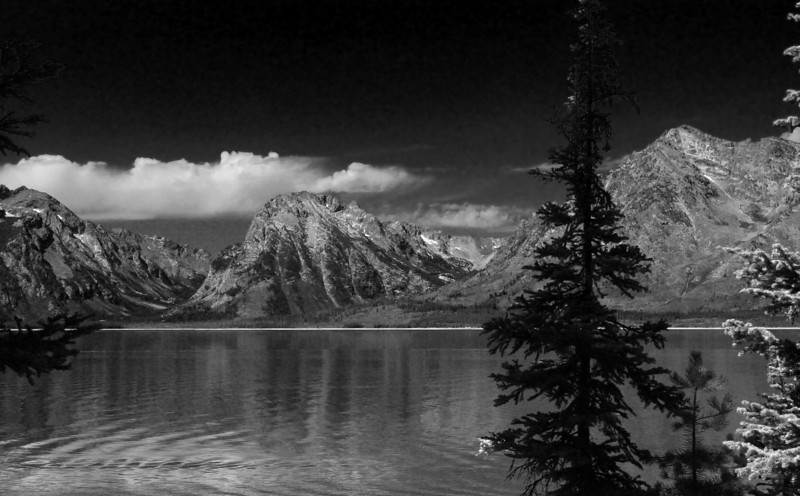 Lake Jackson with Moran Canyon, Bivouac and Eagles Rest Peaks