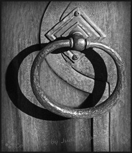 Door Pull in B&W