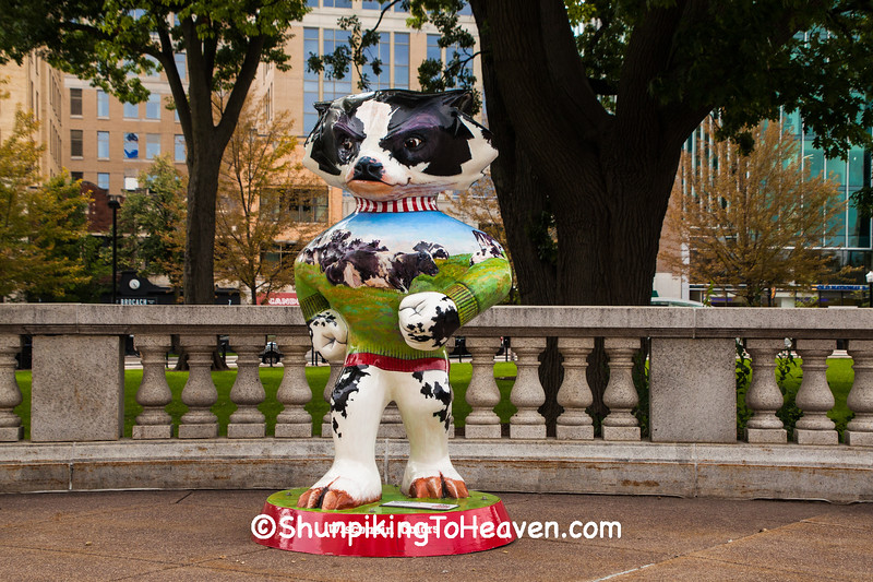 """""""Wisconsin Colors"""" Bucky Statue, Madison, Wisconsin"""