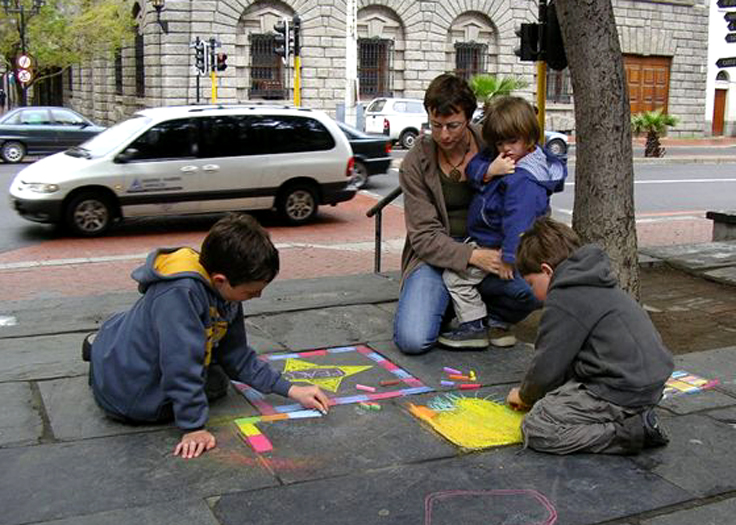 CHALK4PEACE 2006 Cape Town, South Africa St. George's Cathedral Observing young artists bring colour to the world... organized by the COMMUNITY ARTS THERAPY programme photo: Angela Rackstraw