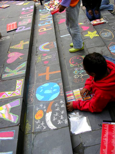 CHALK4PEACE 2006 Cape Town, South Africa St. George's Cathedral Creating the proper steps to peace... organized by the COMMUNITY ARTS THERAPY programme photo: Angela Rackstraw