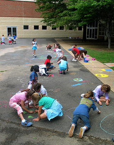 ARLINGTON, VIRGINIA CHALK4PEACE 2006 9/15 Ashlawn Elementary School These artists began to draw at 9 am EST Friday.... They couldn't wait! photo: John Aaron