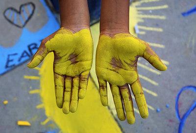 "BERKELEY, CALIFORNIA CHALK4PEACE 2006 9/16 ""Yellow Hands"" Cragmont Elementary School photo: Jerry Downs Photography"