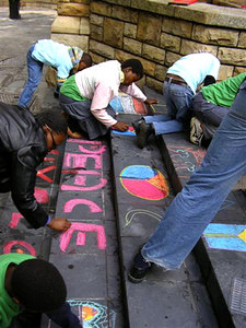 CAPE TOWN, SOUTH AFRICA CHALK4PEACE 2006 16/09 Artists on the steps of St. George's Cathedral organized by the COMMUNITY ARTS THERAPY programme photo: Angela Rackstraw
