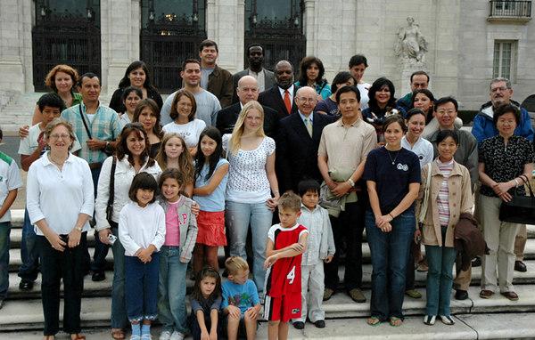 TIZAS PARA LA PAZ 2006 Washington, DC  Organization of American States El grupo de la OAS Tizas Para La Paz photo: Gabriel Gross