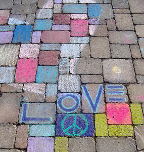 "CHALK4PEACE 2007 ""LOVE in Geneva"" Centennial Park, Geneva, New York 9/15 photo: Chapin Traugott"