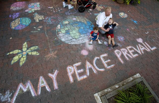 CHALK4PEACE 2007 Yoga in Daily Life, Alexandria, VA 9/21/07  Photo: Foster Wiley