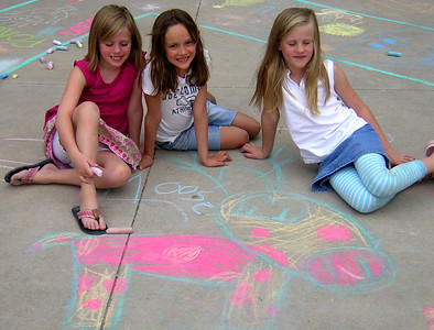 Moose Girls 4 Peace Superior Elementary School, Louisville, CO CHALK4PEACE School District Invitational Organized by Michael Wojzcuk, Arts Specialist Photo: Mike Wojzcuk