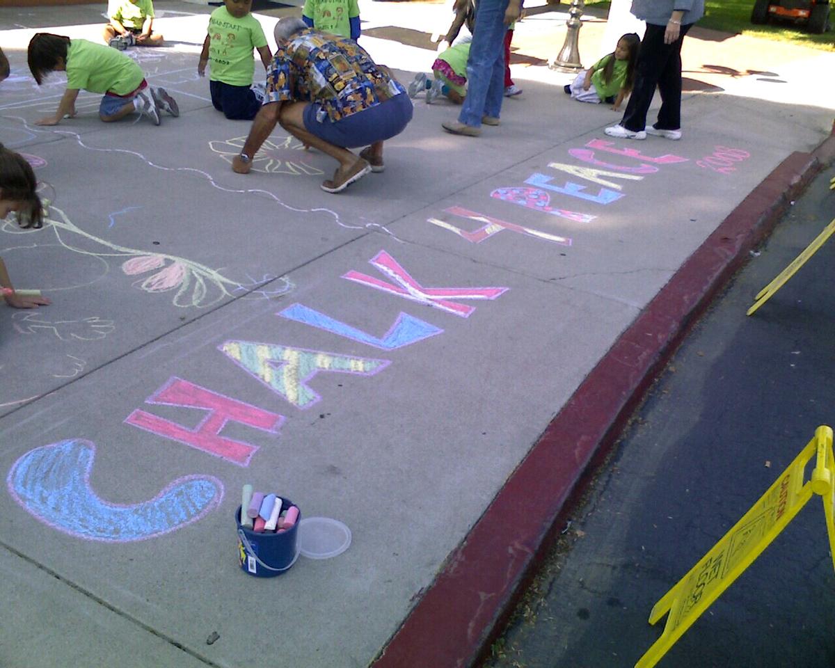 CHALK4PEACE 2008 Goleta Valley Community Center, Goleta, CA with Rainbow School and HEADSTART artists photo: Amy Mallett
