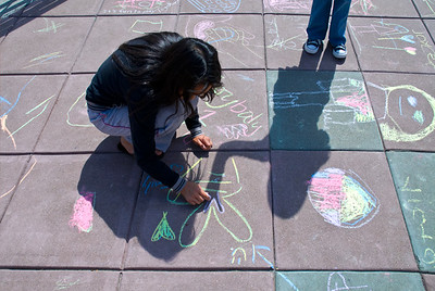 CHALK4PEACE 2008 ZEUM, San Francisco, CA Joy Liu, C4P Coordinator photo: Jerry Downs C4P Gallery: http://modernarf.smugmug.com/gallery/6070350_DGX9F#380704499_dacmN