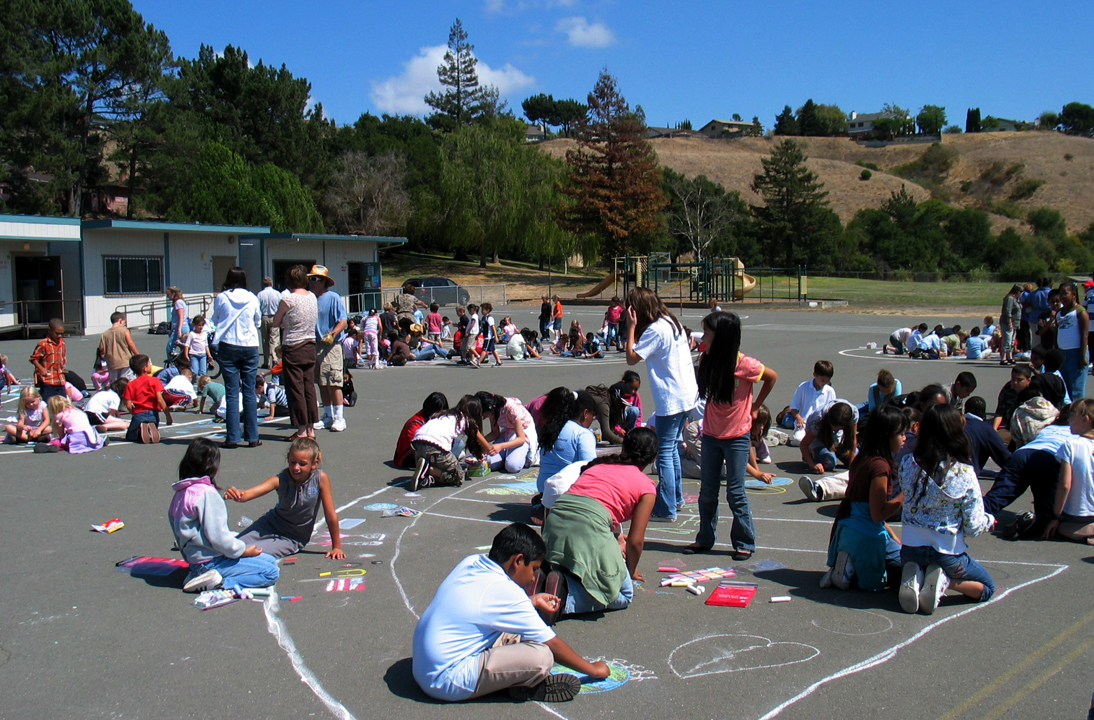 CHALK4PEACE 2007-The WHOLE School! Valley View Elementary School Richmond, CA 9/14/07 photo: Dumas/Aaron