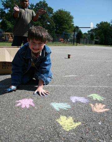 CHALK4PEACE 2008  Woodlawn Elementary School, Alexandria, VA  photo: Marielle Mariano