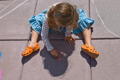 CHALK4PEACE 2008 ZEUM, San Francisco, CA 9/20/08 Joy Liu, C4P Coordinator photo: Jerry Downs