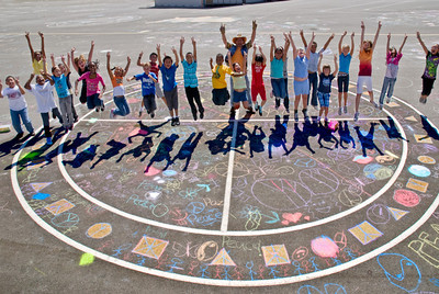 CHALK4PEACE '09  Valley View Elementary School, Richmond, CA 9/11/09 Organizer: Ms. Cheryl Cotton, Principal photo: Jerry Downs Photography  http://modernarf.smugmug.com/Art/CHALK4PEACE-2009/CHALK4PEACE-09-VVES/9650947_yxvBi#P-1-15