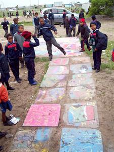 CHALK4PEACE '09  Nyanga, S. Africa 16/09/09 Organized by the Community Arts Therapy Programme photo: Angela Rackstraw