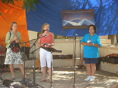Living Peace of Ojai 9/19/09 Laura Whitney, Judy Gabriel, and Maria Wellborn welcomes visitors bilingually.
