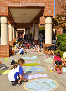 CHALK4PEACE '09 Waples Mill E.S., Oakton, VA 9/14/09 photo: Marilyn Miyamoto