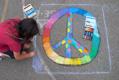 Beach E.S./P.A.I.N.T.S. CHALK4PEACE 9/19/10 photo: Jerry Downs Photography