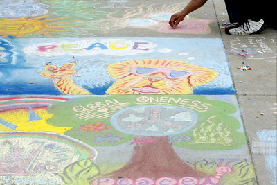 CHALK4PEACE  Oct. 24, 2010 EVERY PICTURE TELLS A STORY Santa Monica, CA photo: Hannah