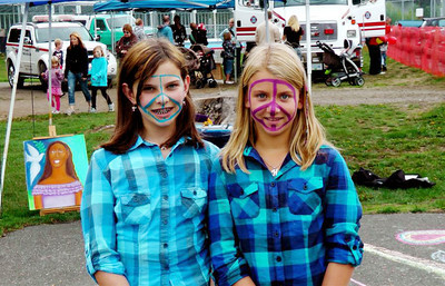 CHALK4PEACE 2010 9/11/10 Valley Links Comox Valley Lewis Ctr.  Courtenay, British Columbia  photo:
