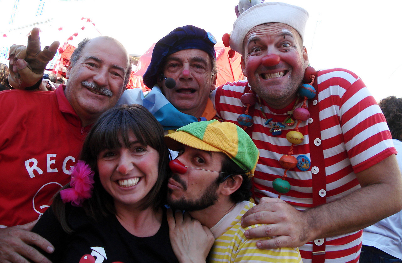 CHALKSTARS during the artistic frenzy... Luciano, Erica, John,  Dario and the First Mate of Capt. Nemo CHALK4PEACE 2010 Clown and Clown Festival 2 Oct. Monte San Giusto, Italy photo: amigo de Luciano Bramdimarti