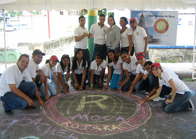 CHALK4PEACE  9/5/10 Club Rotaract de Moca, Dominican Republic What an incredible team! Gracias de Tiza Por La Paz! photo: