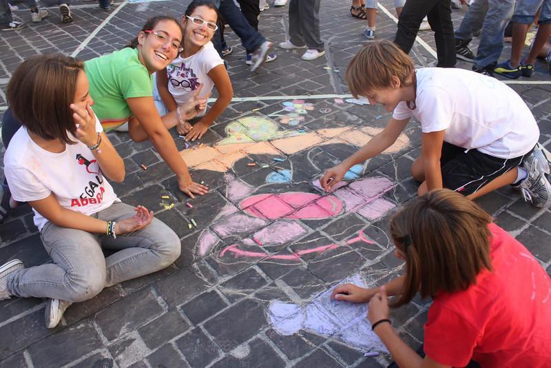 CHALK4PEACE at the Clown & Clown Festival, Monte San Giusto, Italy photo: Gabo Claun