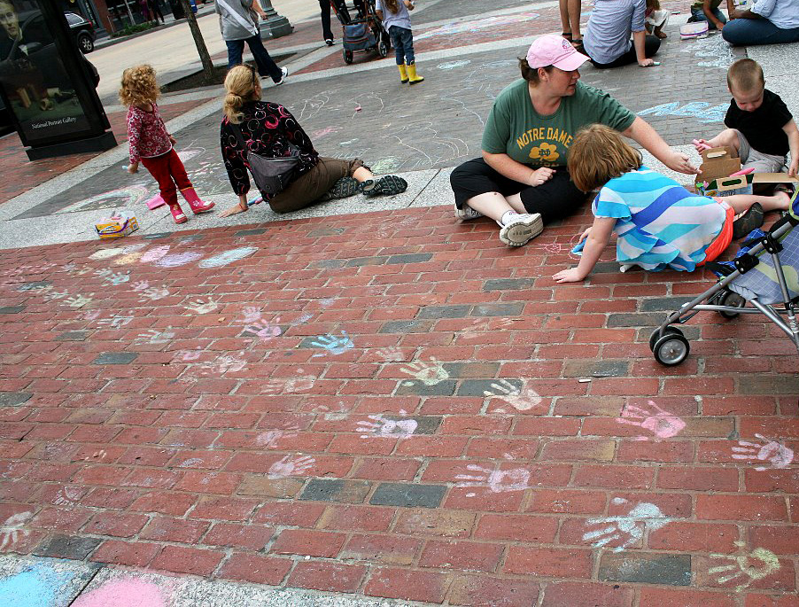 CHALK4PEACE 2011 Washington, DC 9/24/11 Smithsonian American Art Museum & National Portrait Gallery  photo: Marielle Mariano
