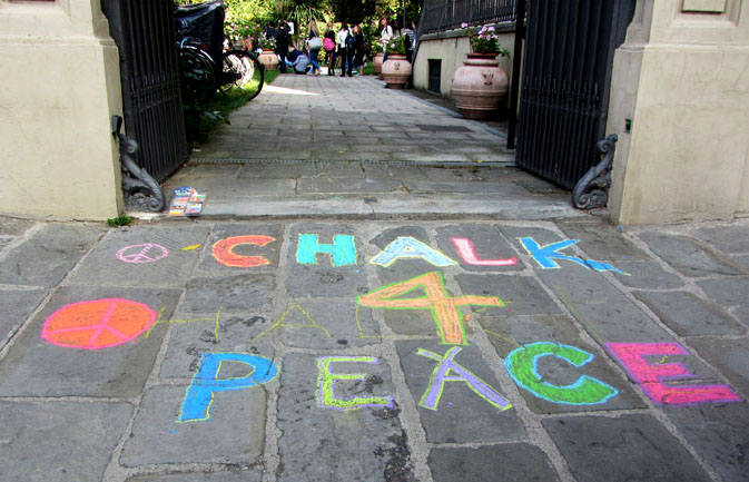 Entrance to CHALK4PEACE at Syracuse University in Florence, 12 Oct 2011 photo: Liza Dorison